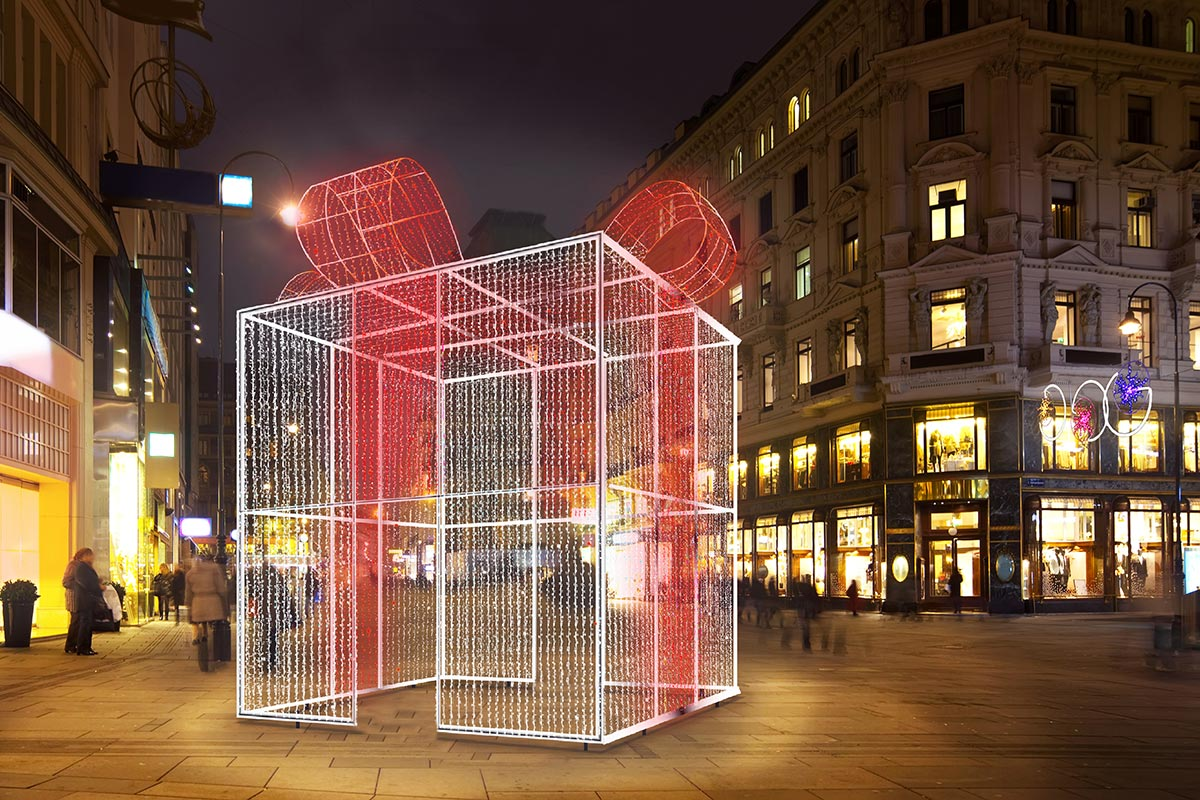 """Instalación en Plaza de """"Regalo 5m con Show"""""""